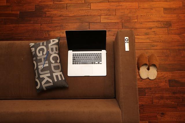 Jakie podłogi wybrać do domu? Jaka podłoga w jakim pomieszczeniu sprawdzi się najlepiej?
