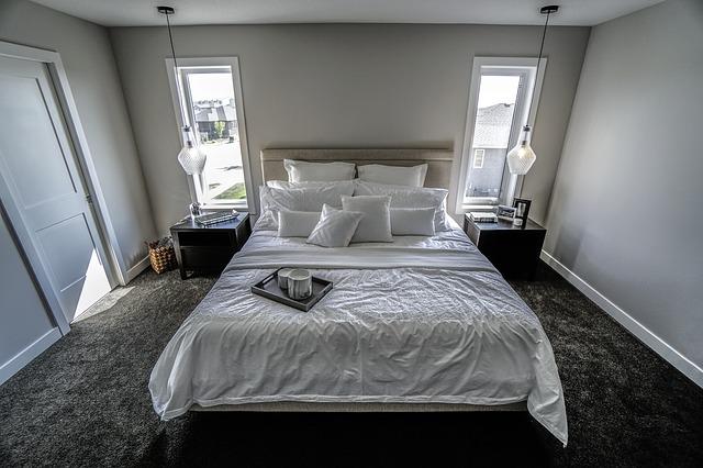 sypialnia-łóżko-dla-dwojga