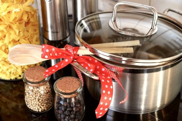 Garnek i przybory kuchenne