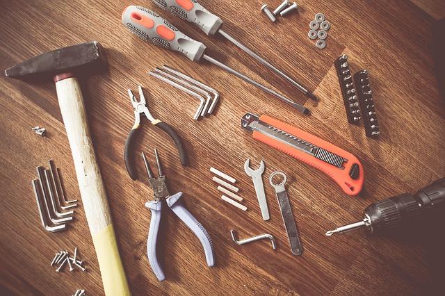 Narzędzia ręczne i akcesoria budowlane